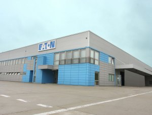Baia Mare – Eaton – company headquarters and industrial hall – polyurethane panels